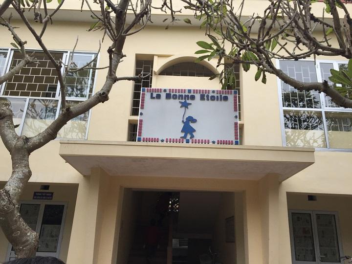 Công ty  thăm và tặng quà tại trung tâm bảo trợ tỉnh Hải Dương